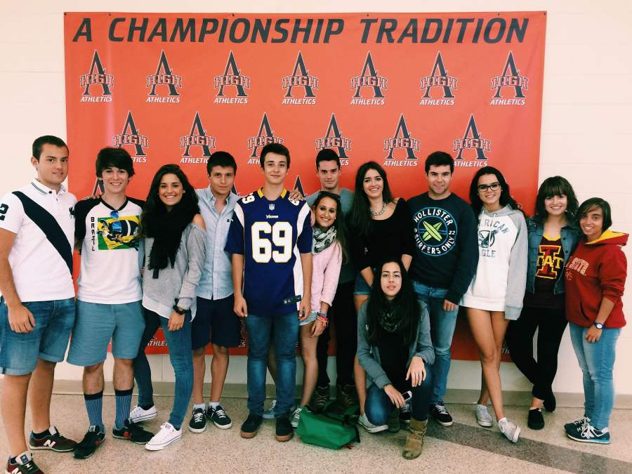 Brothers and sisters across the seas: Spanish students come to Ames High