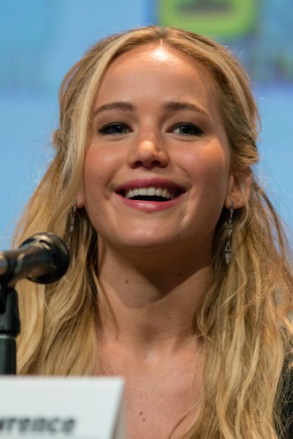Jennifer_Lawrence_at_San_Diego_Comic-Con_2015