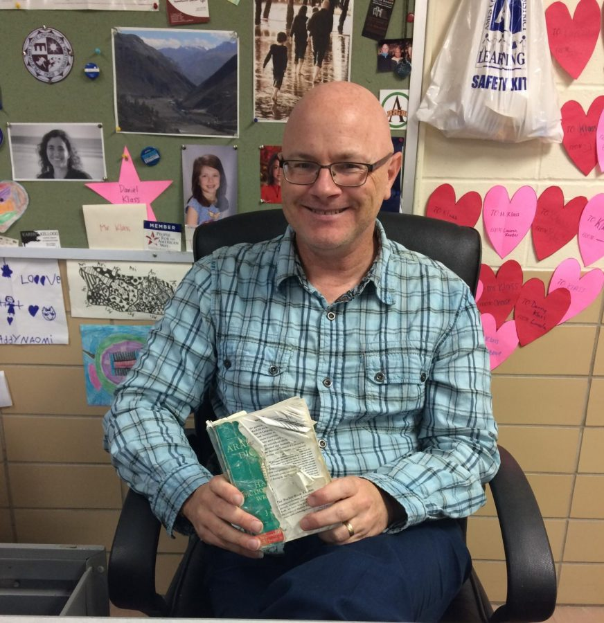 Teacher's Hidden Talents: Around the World with Klass